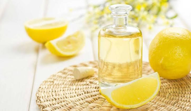 فوائد زيت الليمون لتبييض البشرة