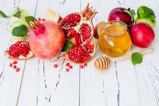 فوائد قشر الرمان مع العسل