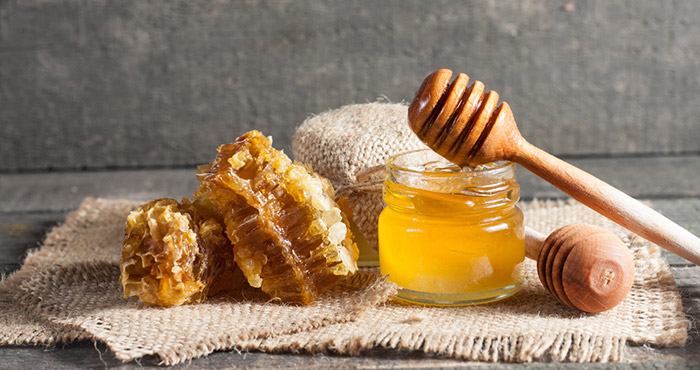 زيت الزيتون والعسل على الريق
