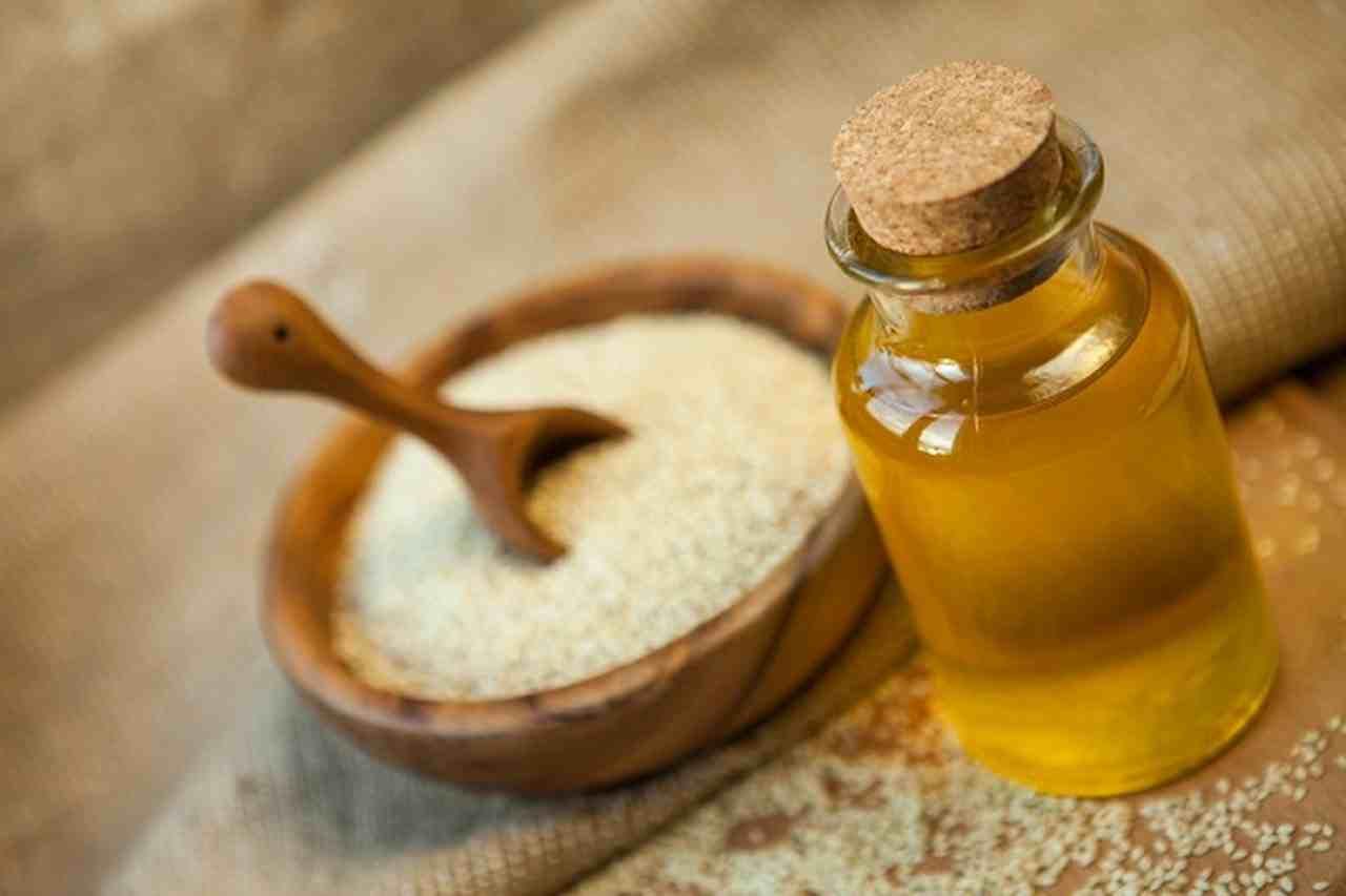 فوائد زيت جنين القمح للبشره الجافه