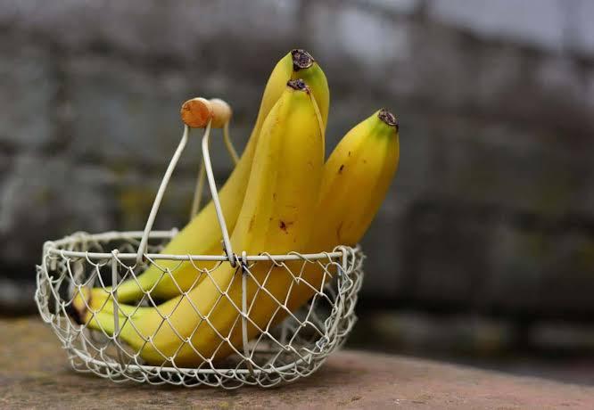 فوائد قشر الموز للبشرة الدهنية