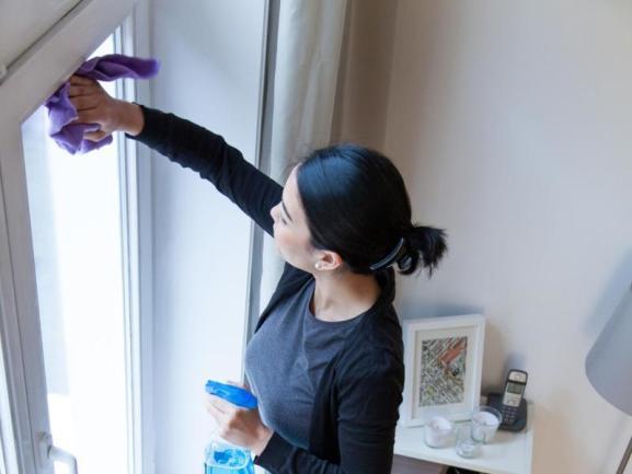 تنظيف الجدران المطفي