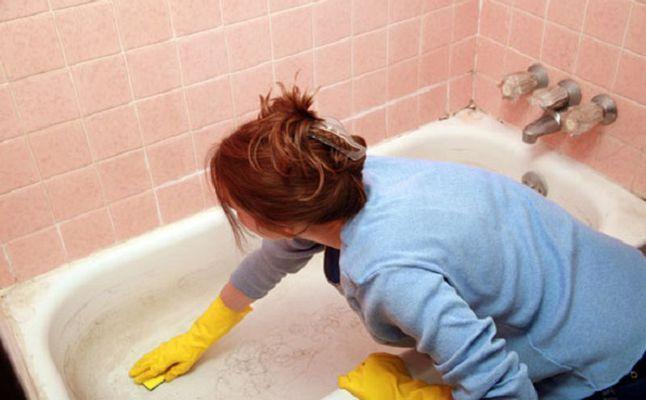 خلطة تنظيف الحمام