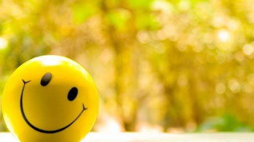 موضوع تعبير عن اثر الابتسامة
