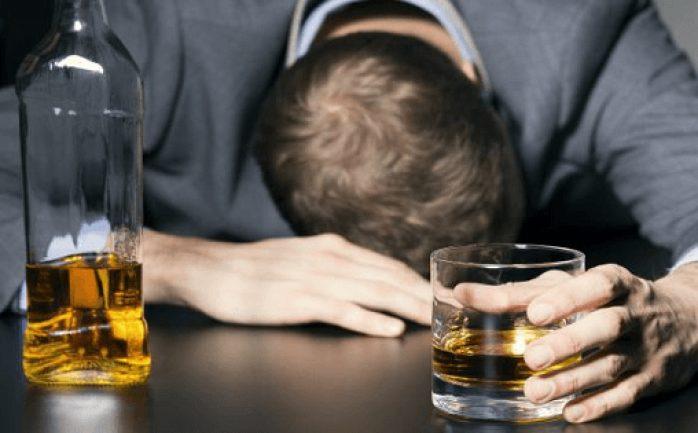 أحاديث عن شرب الخمر
