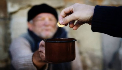 موضوع تعبير عن مساعدة الفقراء