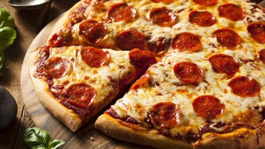 السعرات الحرارية في بيتزا بابا جونز