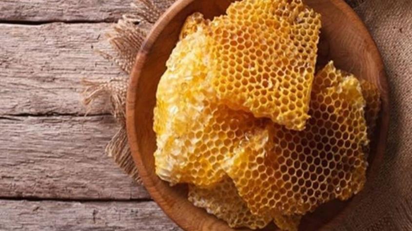 السعرات الحرارية في شمع العسل