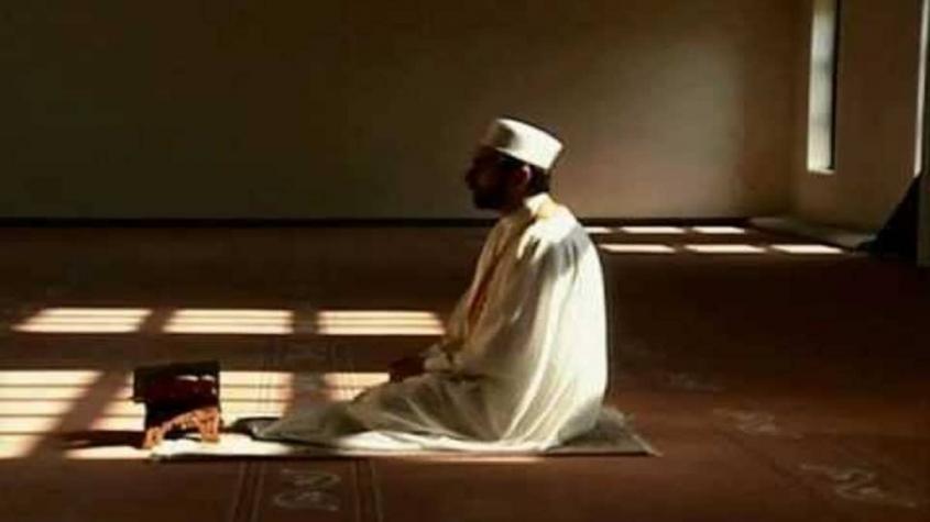 الفرق بين المذهب الشافعي والحنفي في الصلاة
