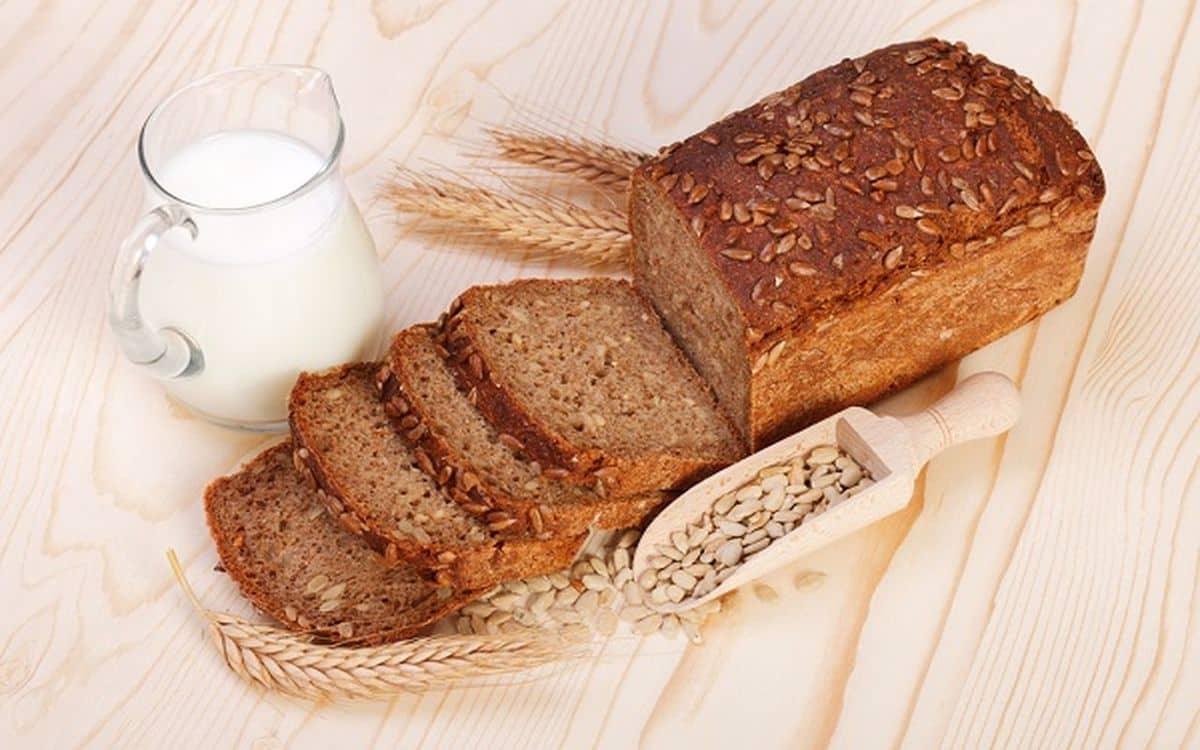 هل الخبز الاسمر يرفع السكر