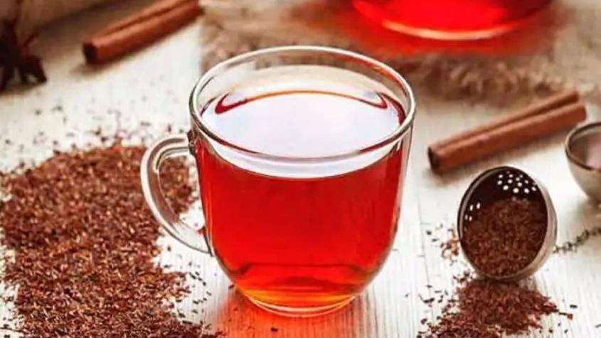هل الشاي الأحمر ينزل الدورة