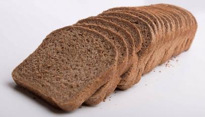 هل خبز التوست الاسمر يزيد الوزن