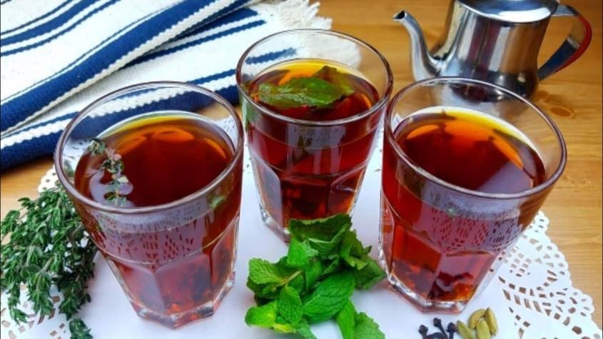 هل الشاي الأحمر يوقف الدورة الشهرية