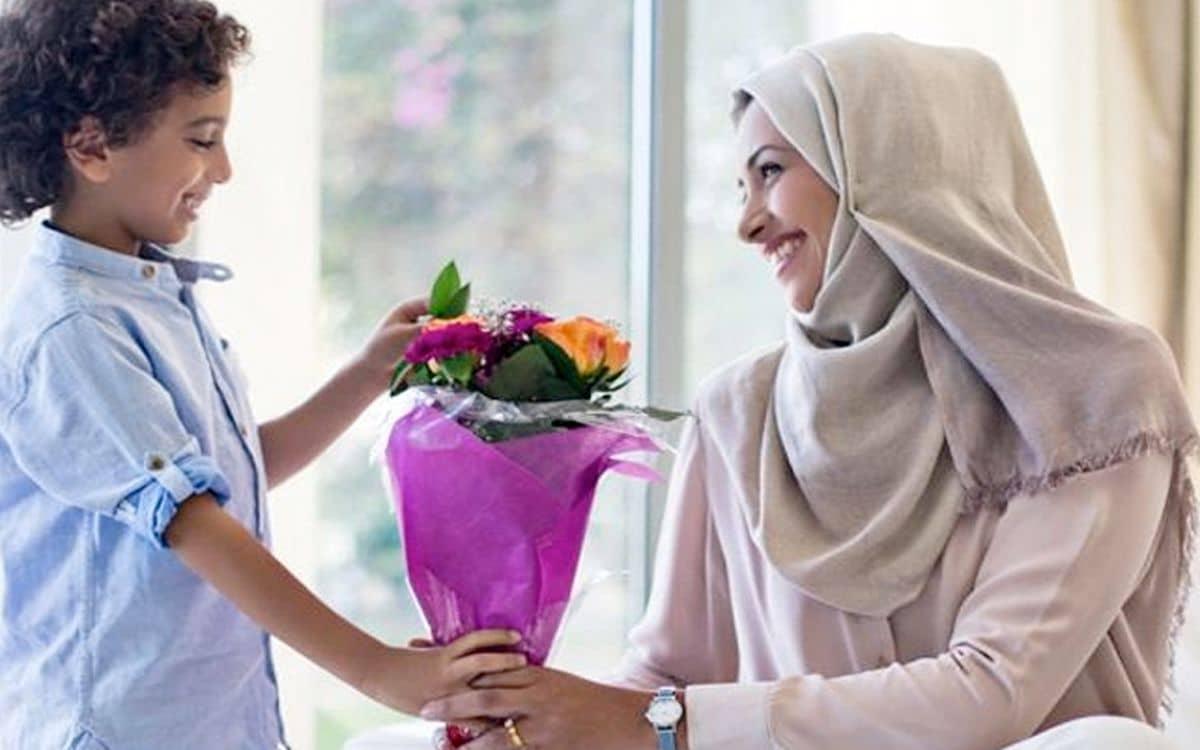 قصيدة عمر الفرا عن الام
