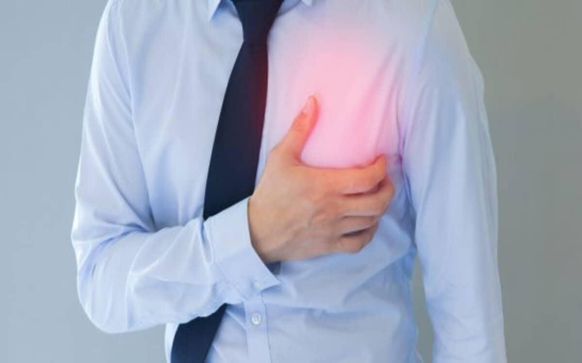 اسباب الم الجانب الايسر للصدر