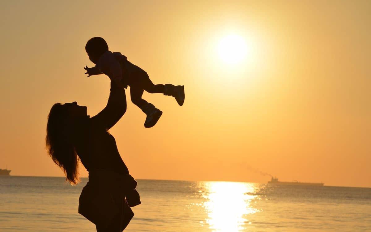 قصيدة عن الام للشاعر حافظ ابراهيم