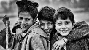 قصيدة عن الاخوة والصداقة